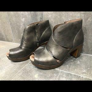 Dansko Shoes | Dansko Delphina Peep Toe